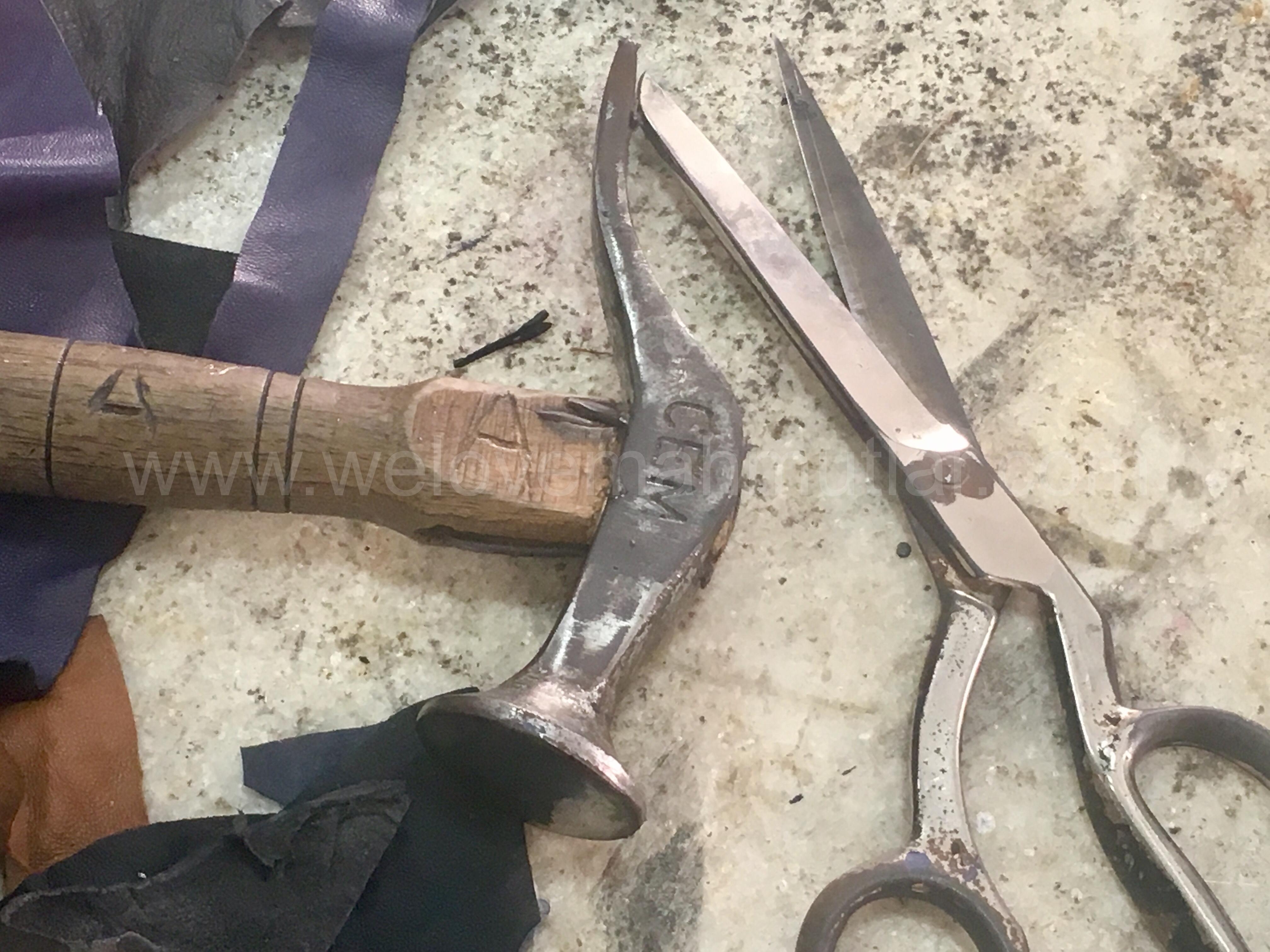 leather and bag repair shop in Mahmutlar