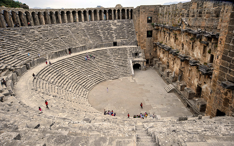 we love mahmutlar - day trips-aspendos